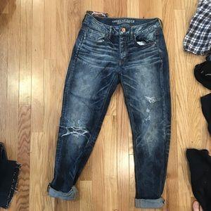 american eagle dark wash high waisted mom jeans